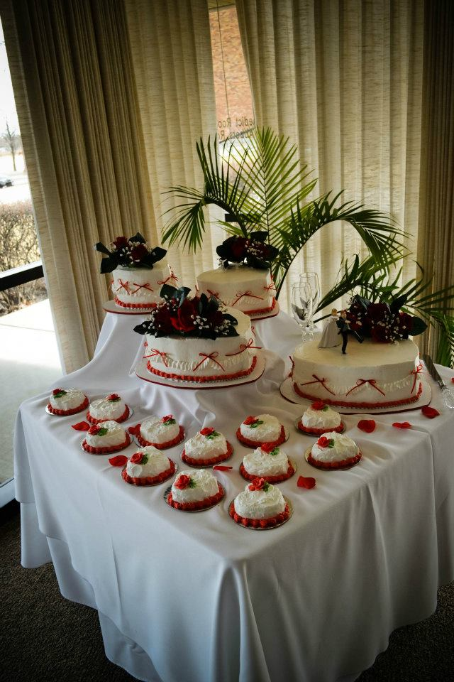 Multi Tiered Heart Shaped Cake w/ Petite Single Heart Cakes